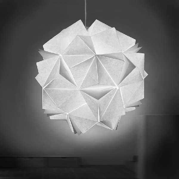 Folded Light – הכנת גופי תאורה מקיפולי נייר